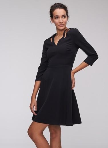 People By Fabrika Kesik Detaylı Elbise Siyah